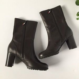 Tommy Hilfiger size 7.5 heeled brown boots